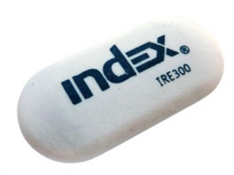 Ластик Index овальный белый 62x28x10